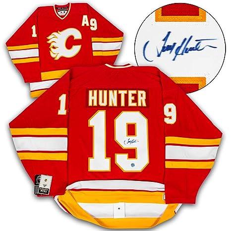 Razón pronunciación perecer  Amazon.com : AJ Sports World Tim Hunter Calgary Flames Autographed ...