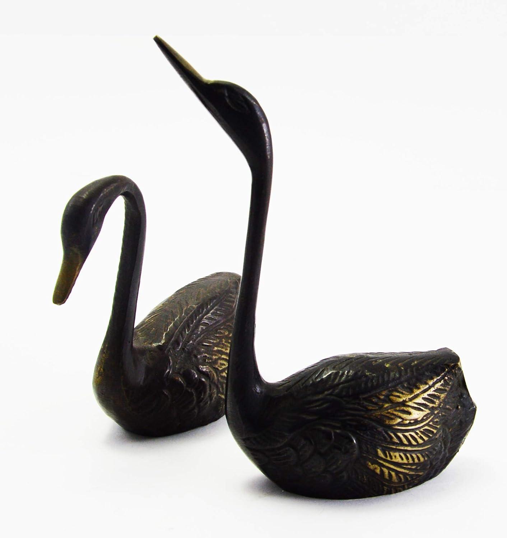 Novelika Beautiful Brass Finish Unique Designed swan Statue for Homer Decor Set of 2