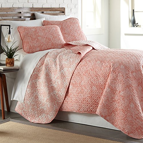 Southshore Fine Linens - Perfect Paisley Collection - Lightweight, Reversable 3-Piece Quilt Set, Coral Haze, Full/Queen