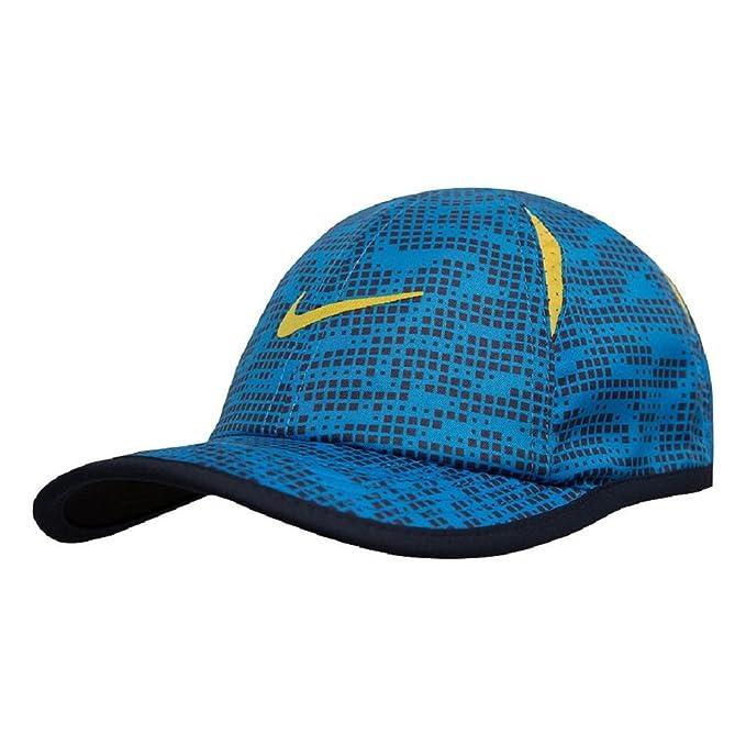 5056c13d Amazon.com: Nike Boy's Featherlight Printed Adjustable Hat: Clothing
