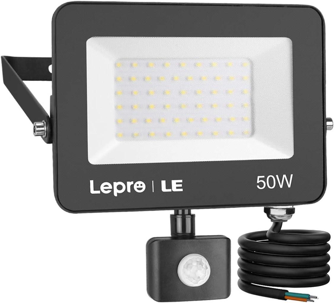LE 50W Foco LED Exterior con Sensor Movimiento PIR, 4200 lumen, Foco LED Sensor IP65 Impermeable, Blanco Frío 5000 K, Ángulo de haz 120°, Foco LED Detector para Jardín, Garaje, Hotel, Patio, etc.