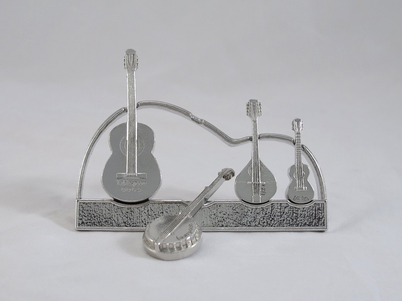 Americana Measuring Spoons with Display Stand cast in Pewter