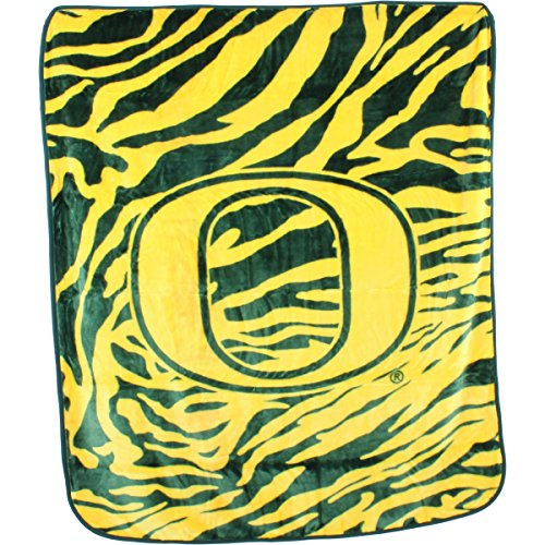 College Covers Oregon Ducks Super Soft Raschel Throw Blanket, 50'' x 60'' by College Covers (Image #1)