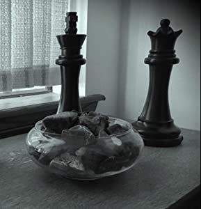 unbrand Chess Piece Statues Black King & Queen Over 11INCHS Tall