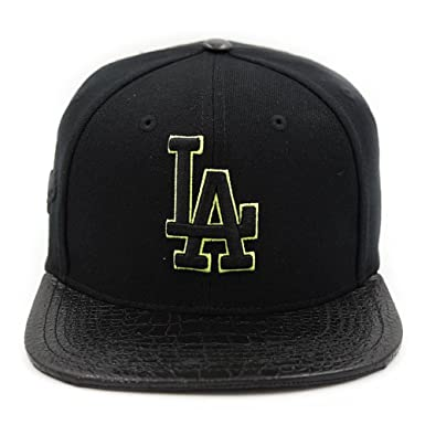 premium selection 4e0d8 091a8 Image Unavailable. Image not available for. Color  Pro Standard Men s MLB  Los Angeles Dodgers Logo Buckle Back Hat ...