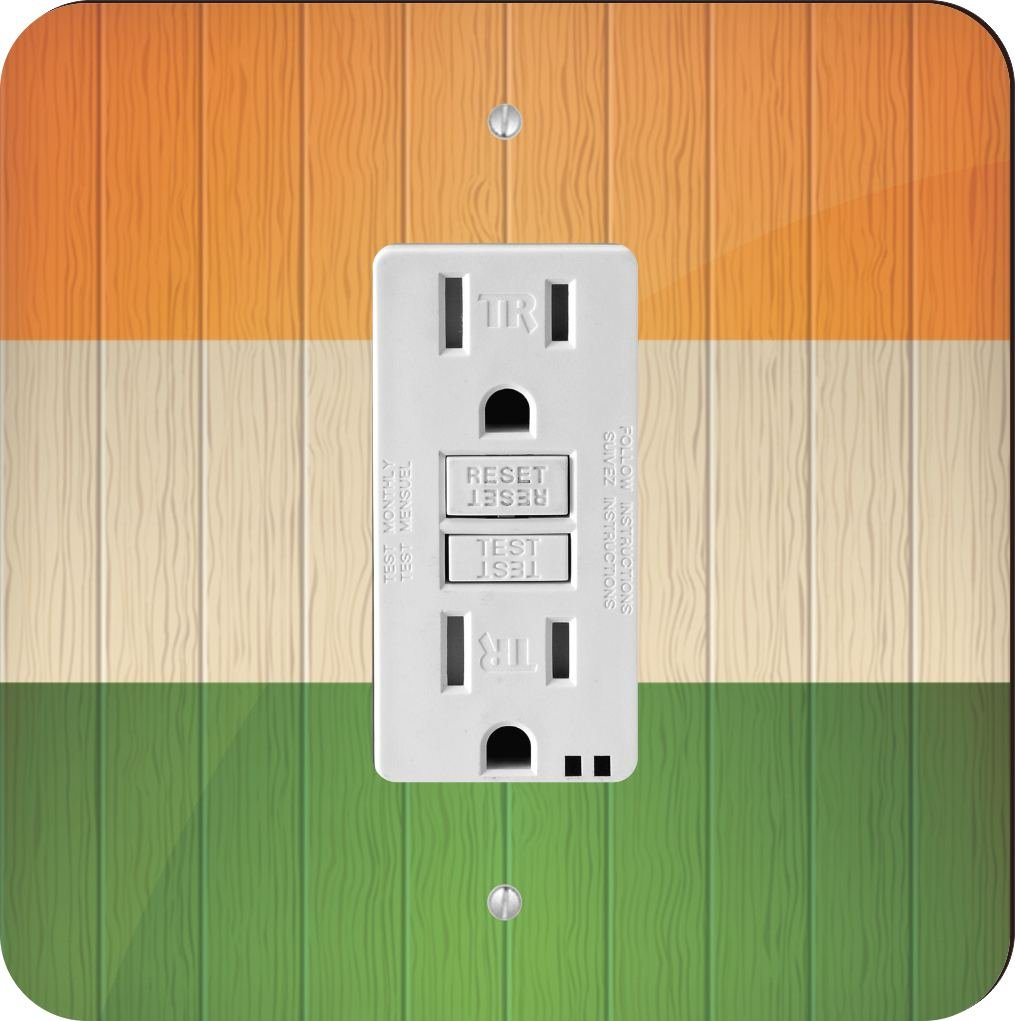 Rikki Knight 8594 India Flag on Distressed Wood Design Light Switch Plate