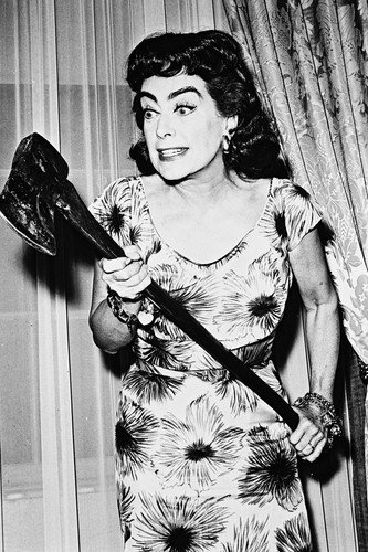 Joan Crawford Strait-Jacket 1964 thriller wielding huge axe