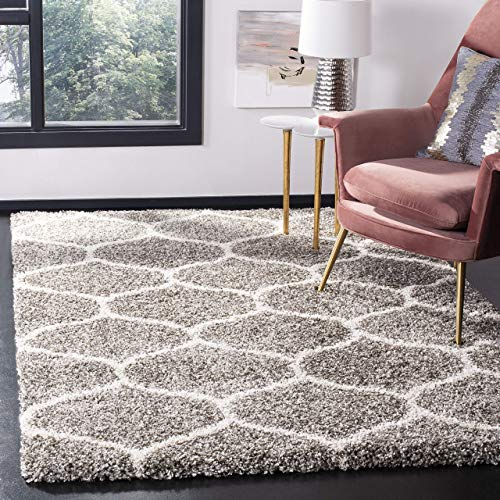 Collection SGH280B Grey and Ivory Moroccan Ogee Plush Area Rug (5'1