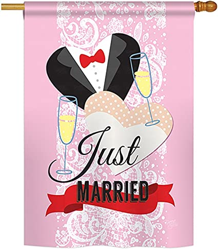 Amazon Com Breeze Decor Just Married Special Occasion Everyday Impressions Decorative Vertical House Flag 28 X 40 Printed In Usa Garden Outdoor