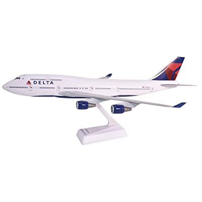 Delta (07-Cur) Boeing 747-400 Airplane Miniature Model Snap Fit 1:200 Part#ABO-74740H-019: Toys & Games