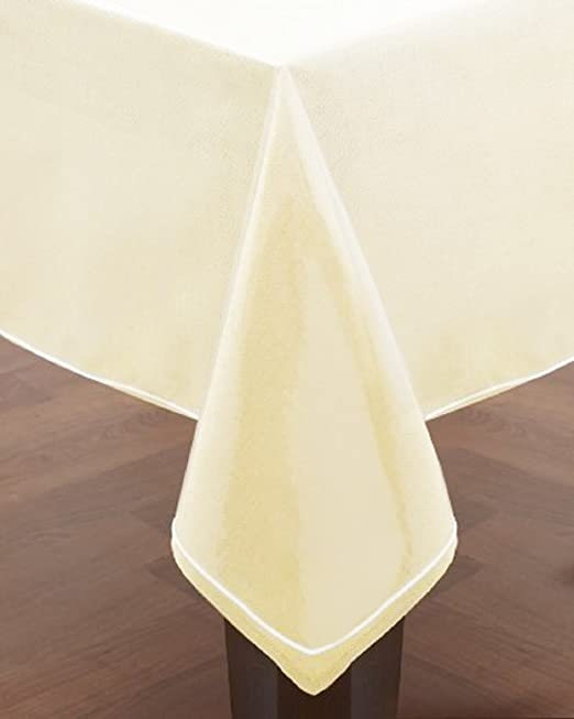 Amazon Com Home Essentials Clear Heavy Duty Vinyl Tablecloth Protector Oval 54 X 72 Home Kitchen