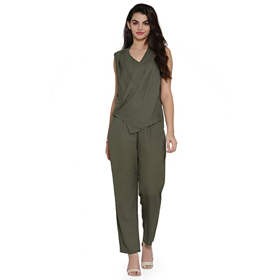 8bea669a3a9 Eavan Women s Olive Green Jumpsuit  Amazon.in  Clothing   Accessories