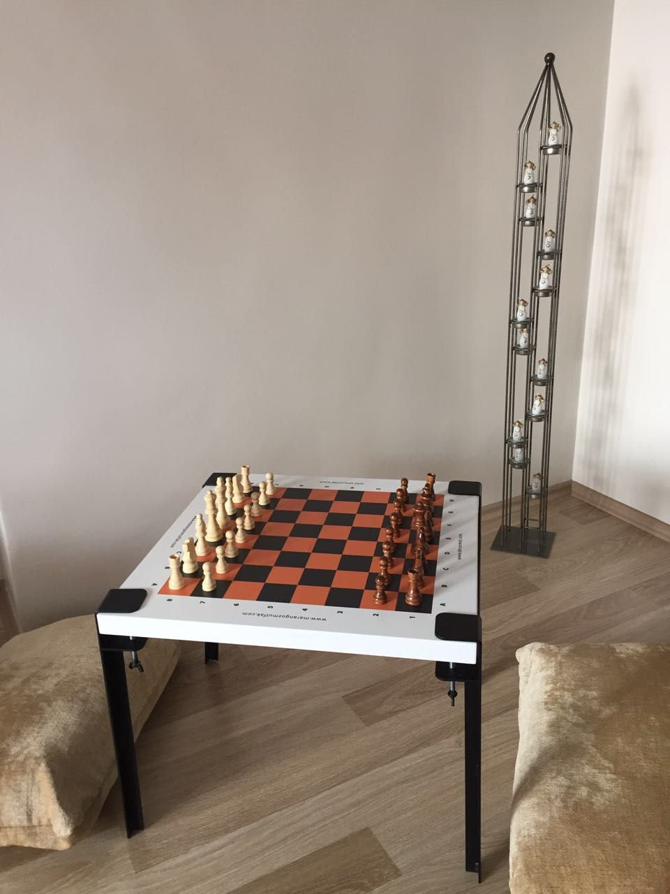LaModaHome Modern Style Coffee Table White Plaid Modern Game Table Wooden Resistant Chess Cocktail Table with Storage Best Choice for Quality for Home, Office, Living Room and More