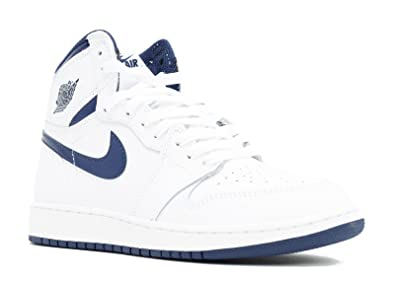 c7cfe92f5634 Nike Boys  Air Jordan 1 Retro High Og Bg Basketball Shoes  Amazon.co.uk   Books