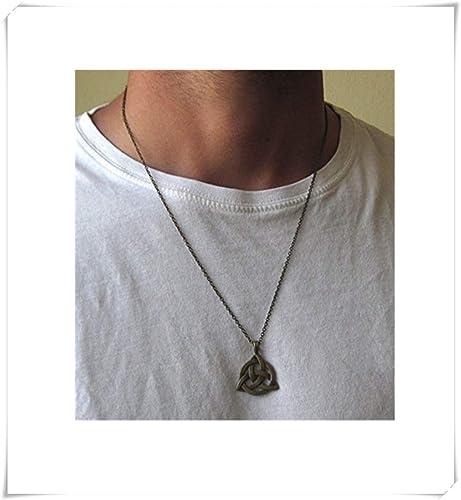 collier homme triquetra