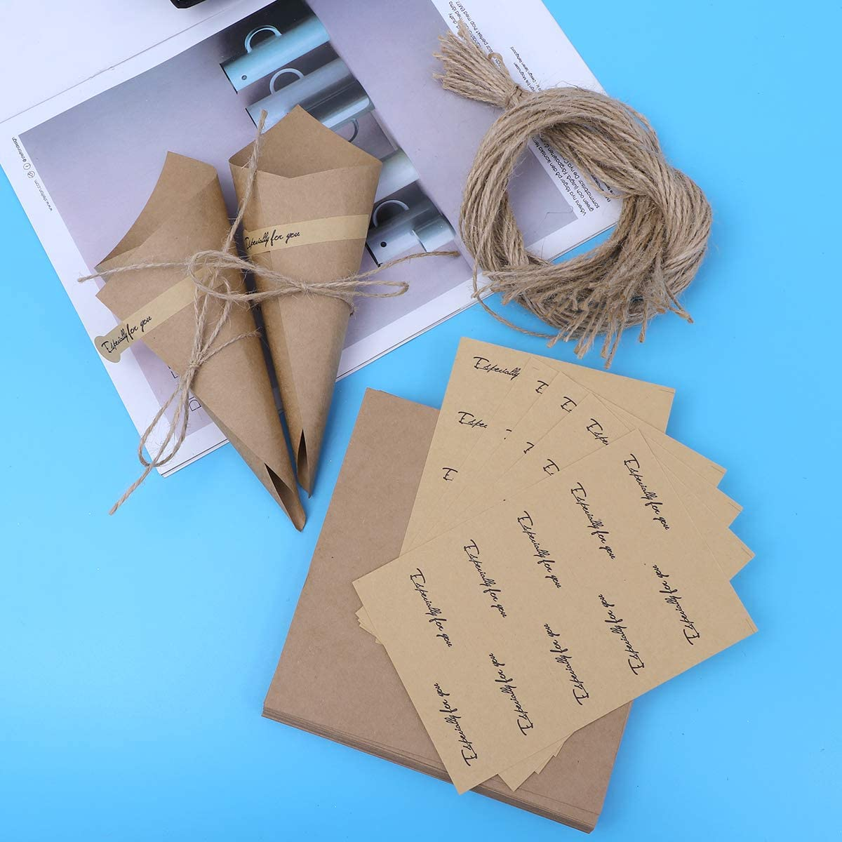 Amosfun 50pcs Diy Wedding Confetti Cones Retro Kraft Paper Cones Bouquet Candy Chocolate Bags Boxes Wedding Party Favour Gifts Packing Black