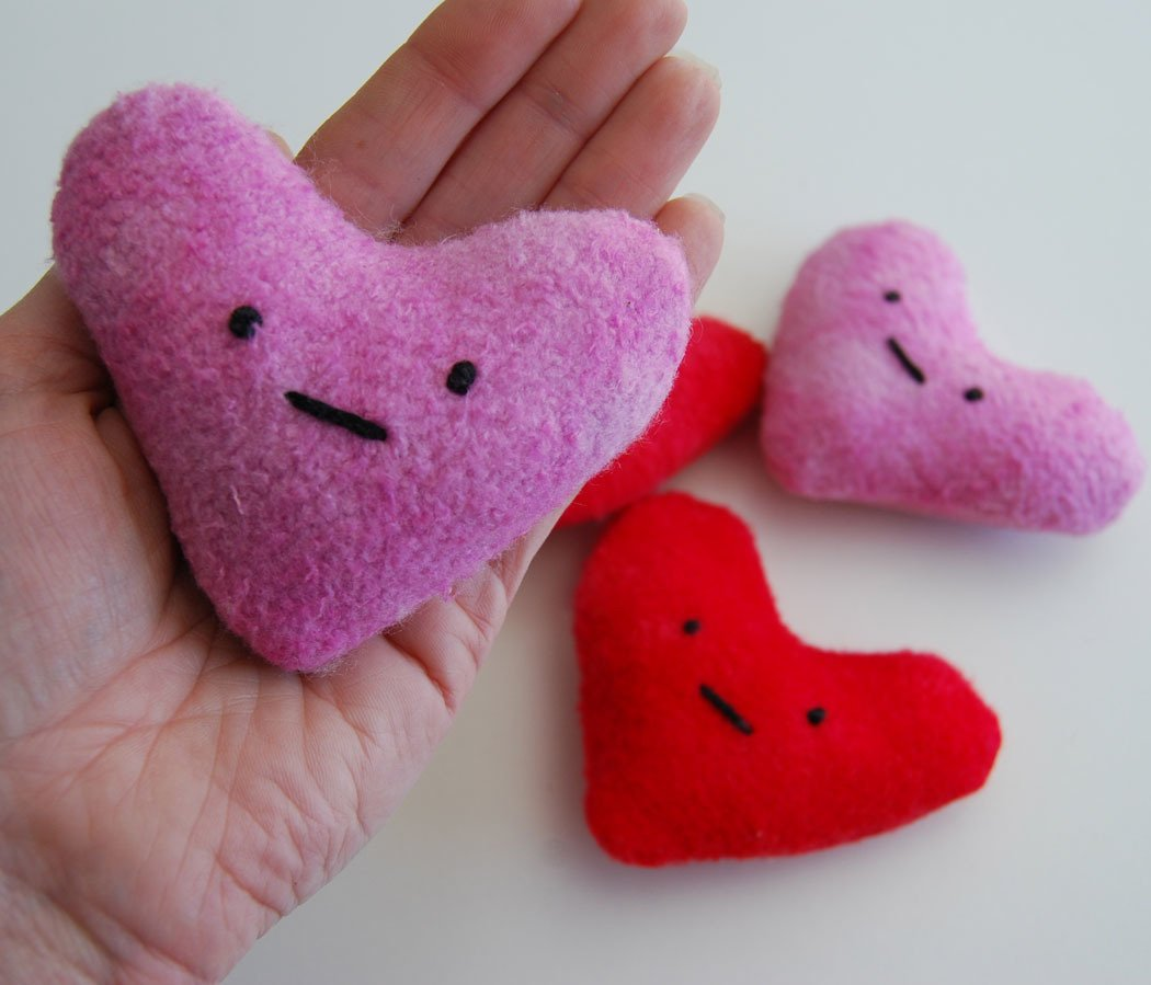 Eco friendly valentines heart love plush toy toddler gift