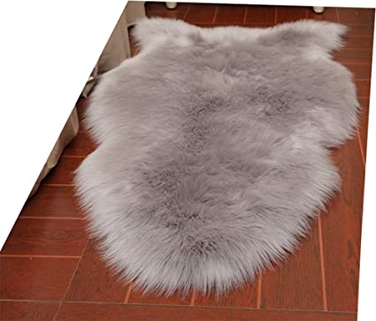 HUAHOO Faux Fur Sheepskin Rug Light Gray Kids Carpet Soft Faux Sheepskin Chair Cover Home Décor
