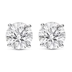 Diamond Stud Earrings - Christmas Gift Ideas For Mom