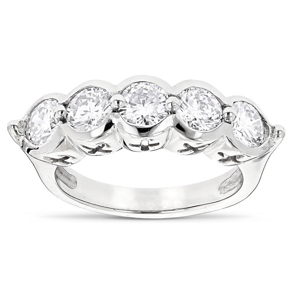 Luxurman 14K Round Natural Diamond Ladies Ring (White Gold Size 7.5)