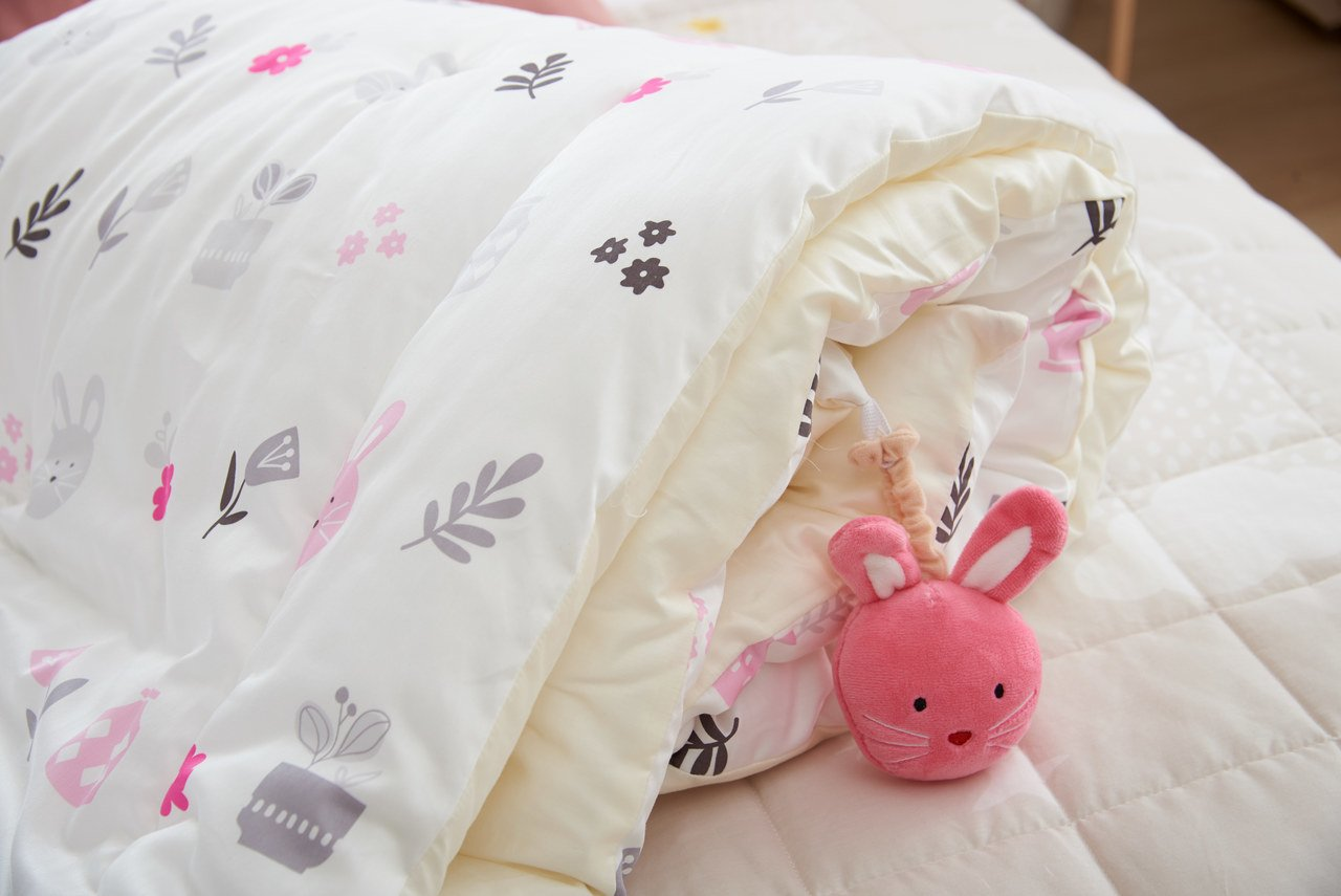 Milo and Gabby Toddler Quilted Comforter - Lola's Pink Blossom by Innobaby