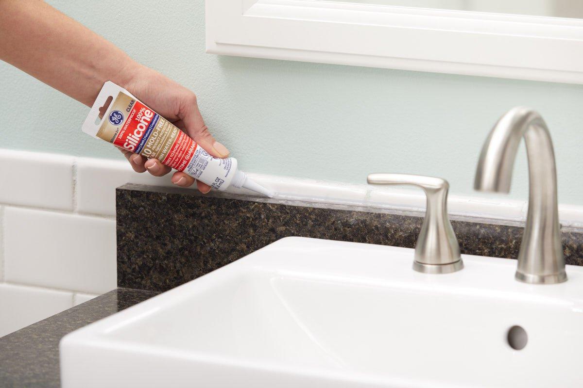 Amazon.com: GE GE284 Silicone 2+ Kitchen and Bath Caulk 2.8 oz ...