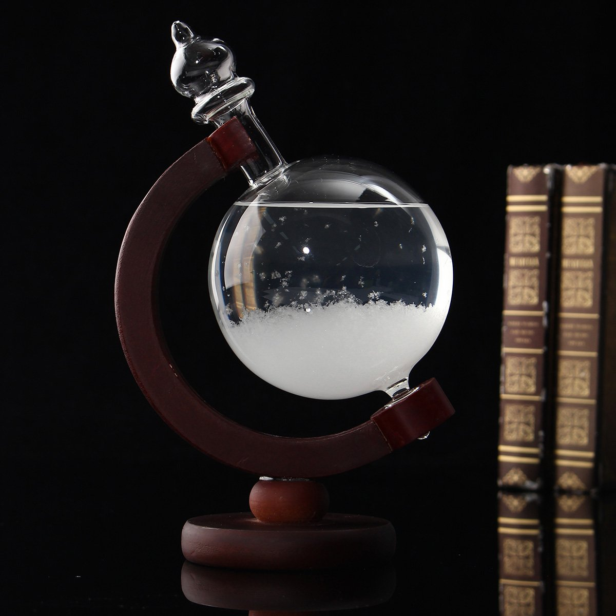 Aissimio Creative Globe Shape Storm Glass Crystal Weather Forecaster Bottle Meteorological Display Bottle Glass Crafts Home Decoration New Year, Valentine's Day Gift 17.5x8cm