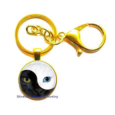Amazon.com: Yin Yang Llavero de gato, llavero de gato ...