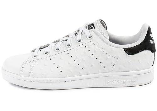 44d356eaa Adidas Stan Smith Niña Zapatillas Blanco  Amazon.es  Zapatos y complementos