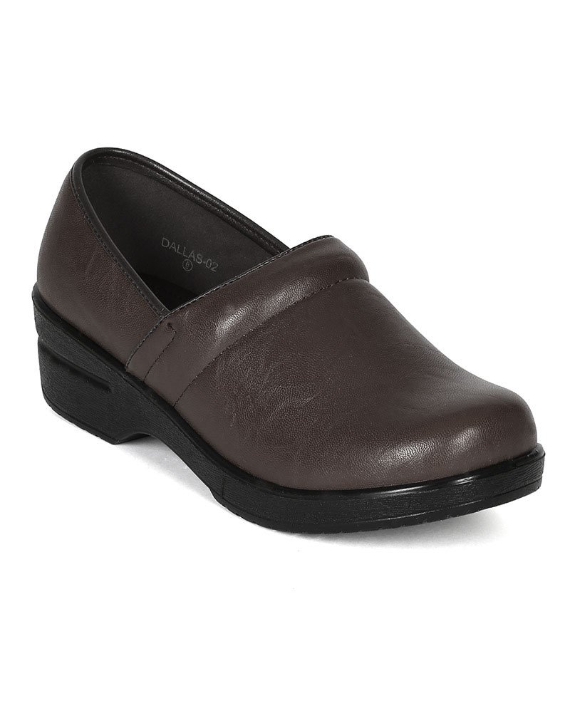 Refresh Women Leatherette Round Toe Slip On Clog BH36 - Brown (Size: 8.5) by Refresh (Image #1)
