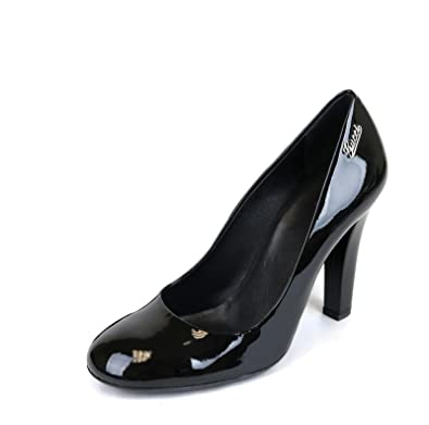 c29b49280fa Amazon.com  Gucci Black Patent Leather Script Logo Pumps 256338 1000 ...
