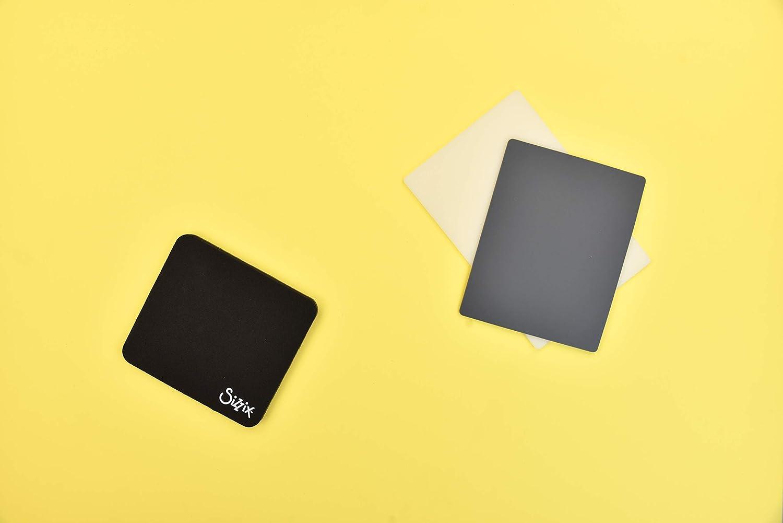 Multicolore 16.5 x 15.2 x 1.3 cm Plastico//Gomma Sizzix 662105 Accessorio per Timbrare e Perforare