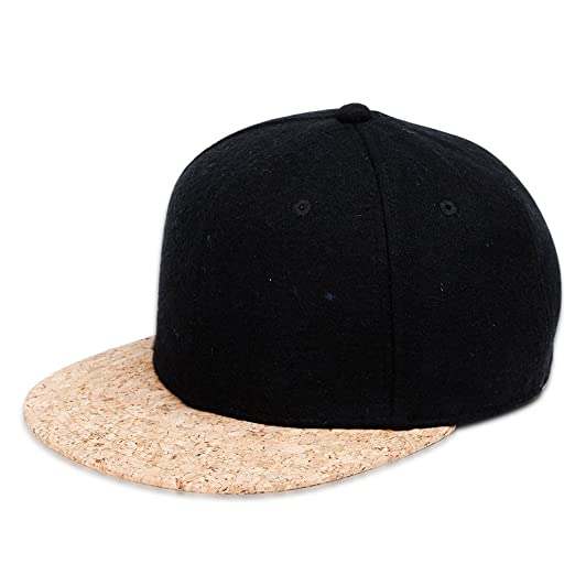 Little bear family Outdoors Men s Hats Europe and America Horizontal Hip  Hop Hats Men s Baseball Cap c509bb4ad1b2