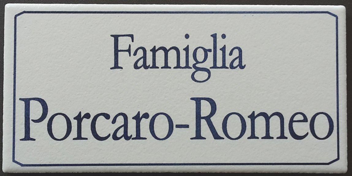 Mosaici Guizzo Targhetta in Ceramica_Colore Bianco, Incisione Blu