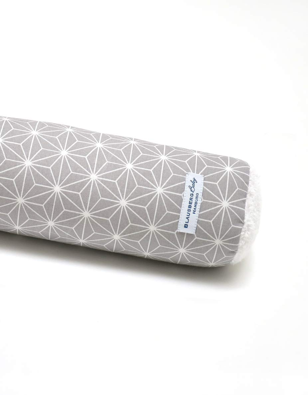 Blausberg Baby - Materialien OEKO-TEX/® Standard 100 zertifiziert 60 cm Bettschlange Nestchen Bettumrandung Kantenschutz Kopfschutz f/ür Baby- und Kinderbett Happy Star Grau 100/% made in Hamburg