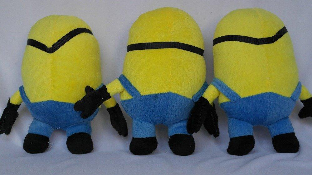 Amazon.com: Despicable Me Big Minions muñeca suave, 19.7 ...