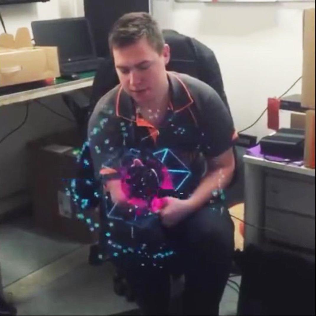 Inverlee New Trendy 3D LED Holographic Projection Fan Hologram Fantastic Advertising Display Cool Imaging 3D Naked Eye LED Fan (Black) by Inverlee (Image #3)