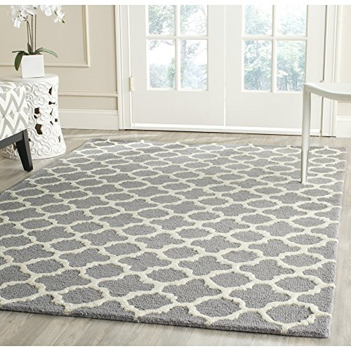 Safavieh Cambridge Collection CAM130D Handmade Moroccan Geometric Silver and Ivory Premium Wool Area Rug (8′ x 10′)