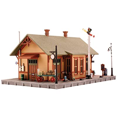 Woodland Station N Scale Kit: Toys & Games