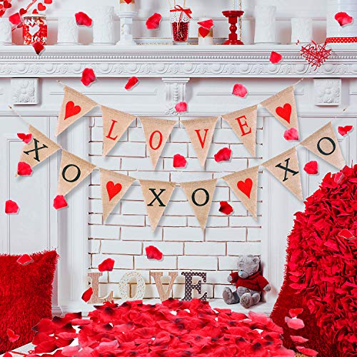 TecUnite 2 Pieces Valentine Hanging Banner XOXOXO Burlap Banners Love Heart Garland with 1000 Pieces Dark Red Silk Rose Petals for Wedding Bridal Shower Proposal Party
