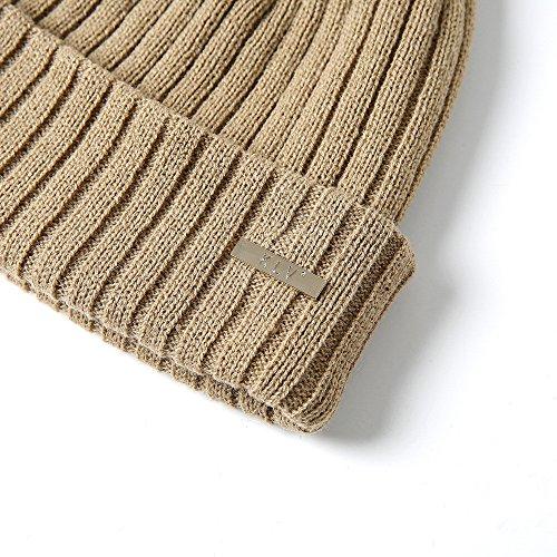 7d7cf61ea17 Kimloog Men Women Soft Wool Cable Knit Pom Pom Beanie Hat Slouchy Ski Caps  (Beige) at Amazon Men s Clothing store