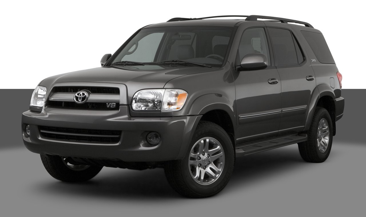 2007 toyota land cruiser reviews images and specs vehicles. Black Bedroom Furniture Sets. Home Design Ideas