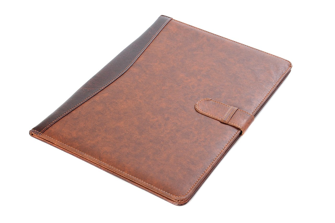 Pindi Manager portadocumenti / padfolio di similpelle marrone con blocco per appunti (DCH-04-02 DE) The Khan Outdoor & Lifestyle Company