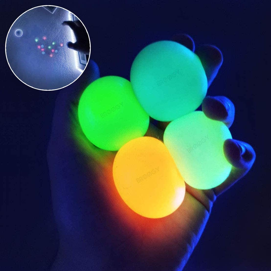 BROOGY Sticky Balls for Ceiling Sticky Balls That GETS Stuck ON The ROOF Fidget Balls Sticky Balls Glow That Stick to The Ceiling Sticky Balls Glow in The Dark Sticky Stress Balls (4PCS)