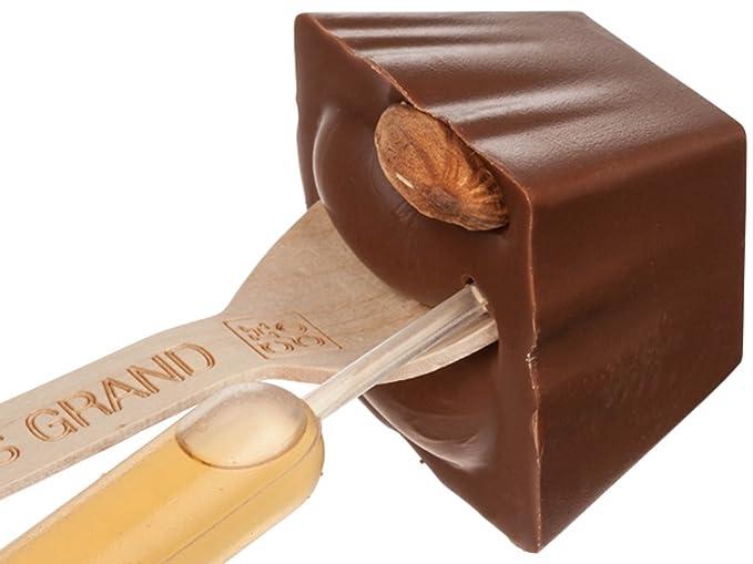 Hotchocspoon Luxe Amaretti Macarons Beber chocolate en cuchara de madera Chocolate con leche con almendras y