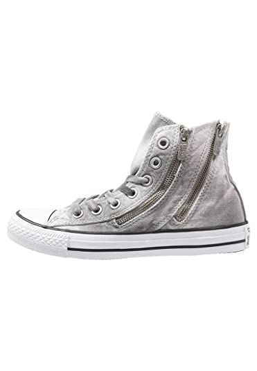 ec3ce20cad60 Converse Shoes Chuck Taylor All Star Trainer. Attractive. Distressed Look.  White Black