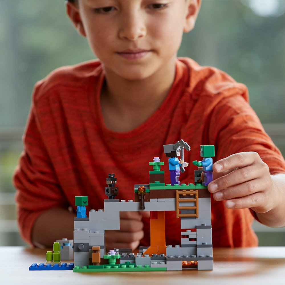 LEGO Minecraft The Zombie Cave 21141 Building Kit (241 Piece) by LEGO (Image #3)