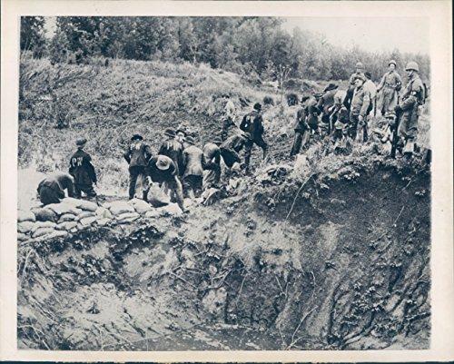 Vintage Photos 1943 Photo WW2 Axis Prisoners Sandbag Levees Emergency MS River Jackets Rare (Wwii Sandbag)