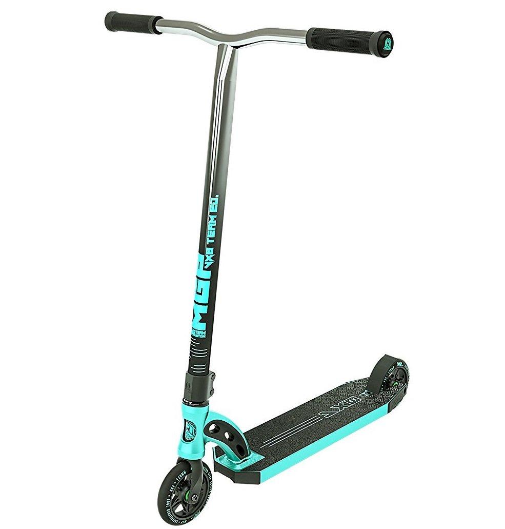 MGP Madd Gear VX8 – Patinete scooter + tapones para extremos del manillar Odi + adhesivos F26 & brazalete