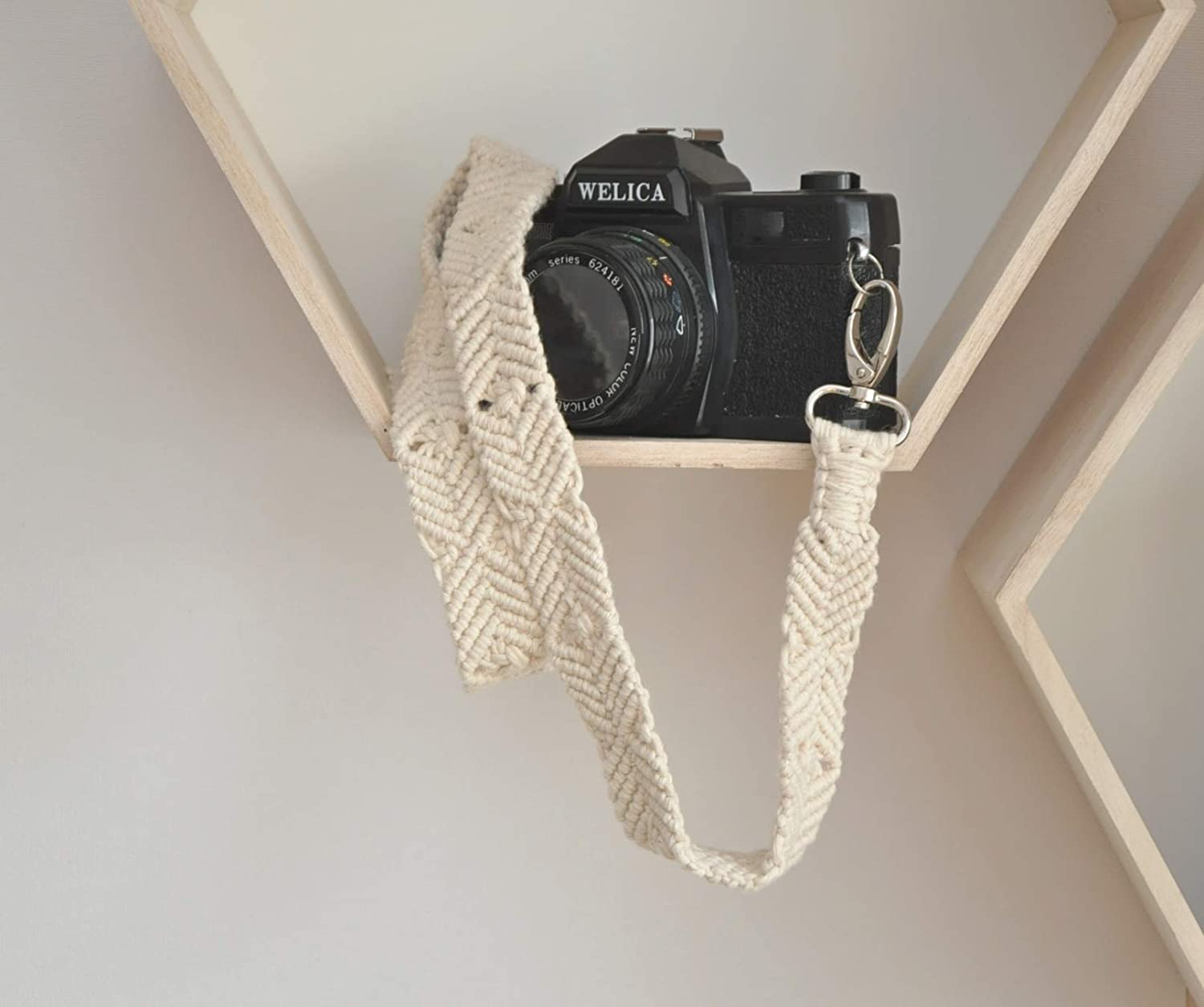 Hand-woven Macrame Wall Hanging Tapestry Camera Strap Retro Literary Connection Buckle Decompression Shoulder Strap for SLR Boho
